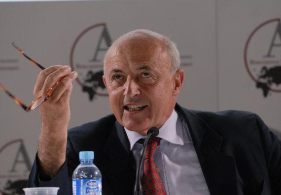 Jean-Hervé Lorenzi, président du Cercle des économistes